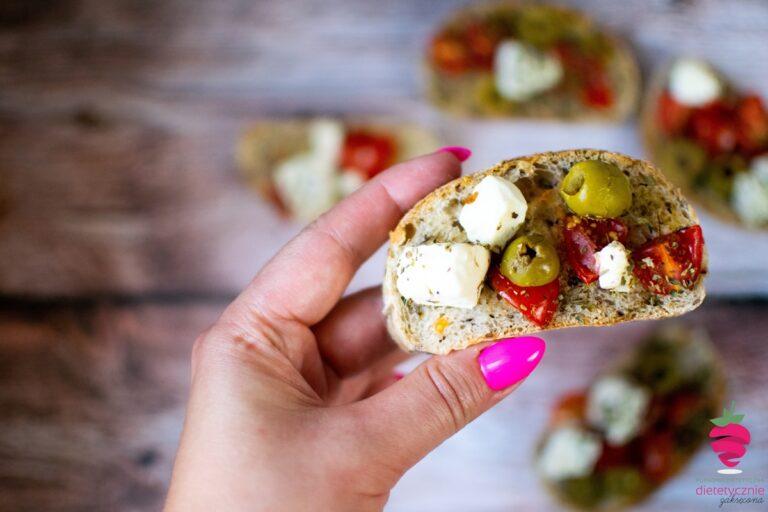 dietetyczne-tosty-grzanki-z-fetą-greckie-dietetyk-tychy